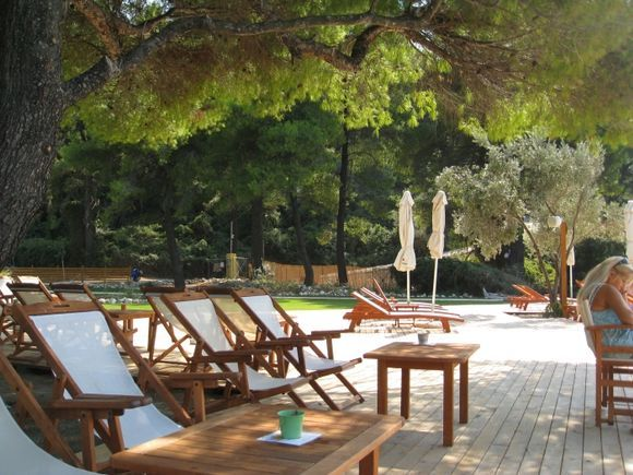 Kastani beach (of Mama Mia fame) has been totally changed from a simple beach with trees and wildlife behind it, and no sun-beds etc to a party place, with a cafe/bar/taverna, lots of decking, changin
