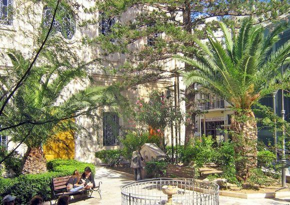 Park next to the Agios Titos church in Heraklion, Crete