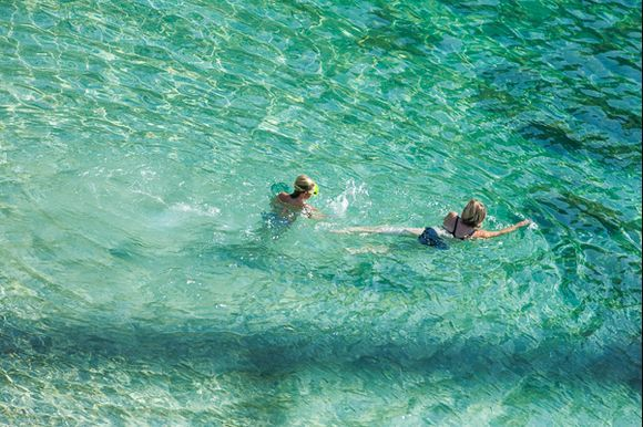 Green water - Piso Krioneri Beach