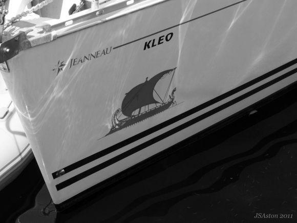 Mono Boat...