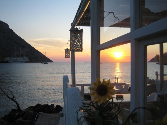 Sunset at a bar on the beach of Kamares (Sifnos)