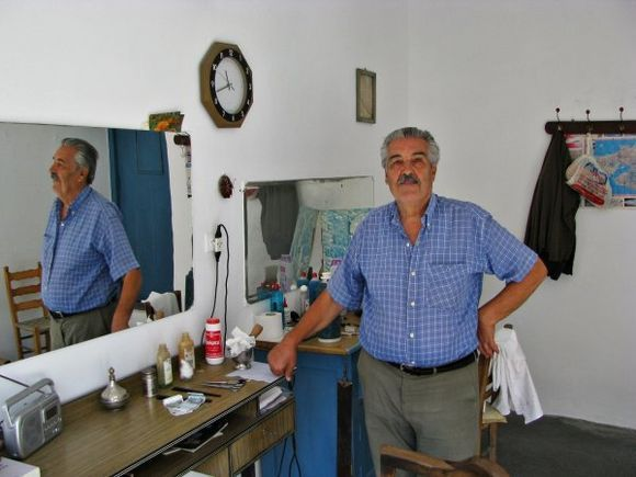 16-09-2011  Lesbos: Mantamados  My favorite barber
