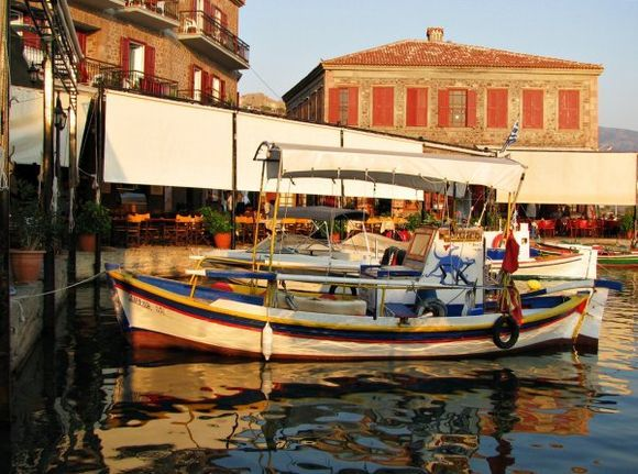02-09-2011  Lesbos: The small harbour of Molyvos