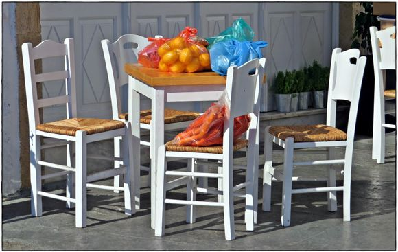 31-08-2020 Patmos: Skala .......The family fruit and vegetables on a terras ;-)