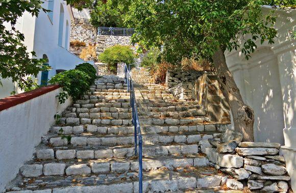 13-09-2020 Ikaria: Evdios   A very nice old stairway