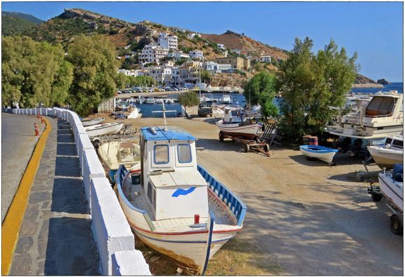 20-09-2020 Ikaria: Agios Kirikos ......View on the small harbour and a piece of Agios Kirikos