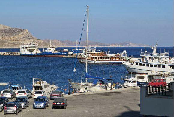27-08-2020 Kalymnos: Pothia ....View from my smal hotelbalcony