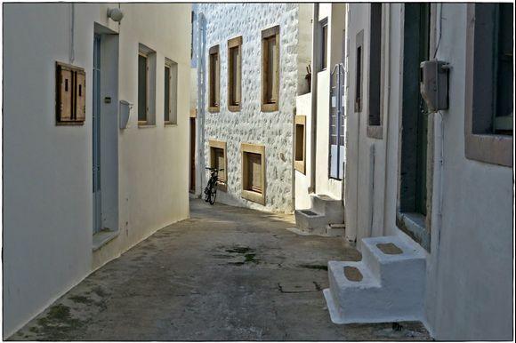 31-08-2020 Patmos: Skala .......Lonely bike