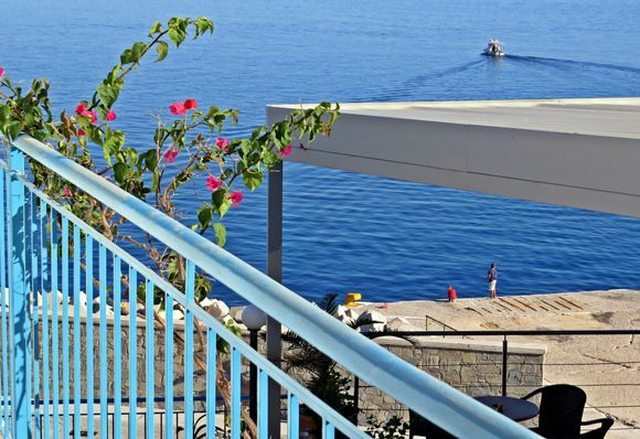 19-09-2019 Ikaria: Agios Kirikos ..........View from the balcony