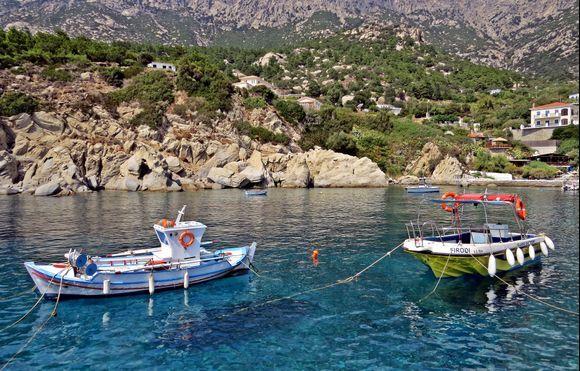 18-09-2020 Ikaria: Manganites ......The beautiful bay and small harbour of Manganites