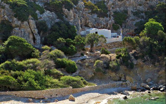 05-09-2020 Lipsi: Small church between the rocks
