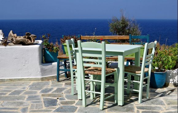 15-09-2020 Ikaria: Nas .......What a place for a few drinks  ;-)
