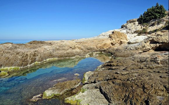 18-09-2019 Ikaria .....Near Armenistis  ........ A small pool .... .;-)
