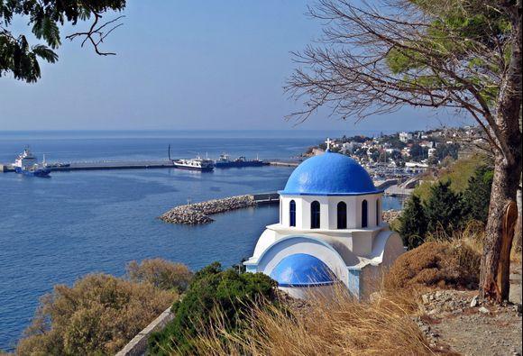 20-09-2019 Ikaria: Agios Kirikos ....... Church between Agios Kirikos and Therma