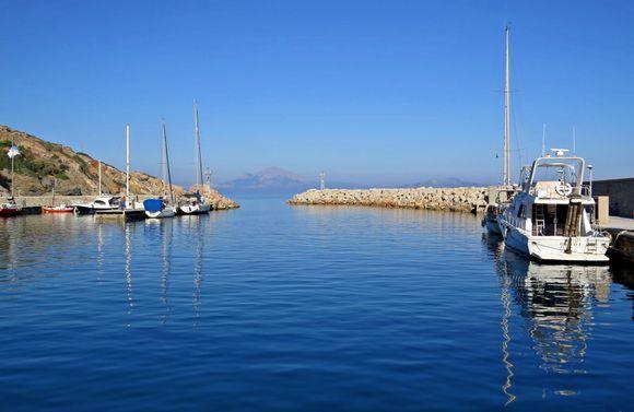 19-09-2019 Ikaria: Agios Kirikos .......The small yachtharbour of Agios Kirikos