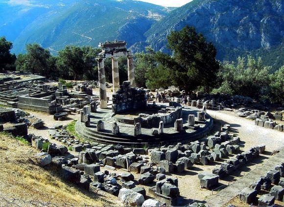 Delfhi Tholos Athena Temple
