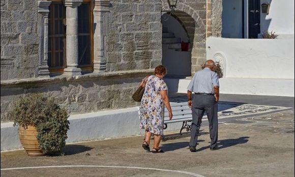 Church of Panagia Portiani- Morning prayer began. I hear a beautiful chorus.