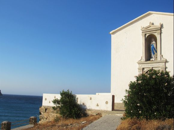 Nope, this is not Sicily! This is Tinos in Greece!