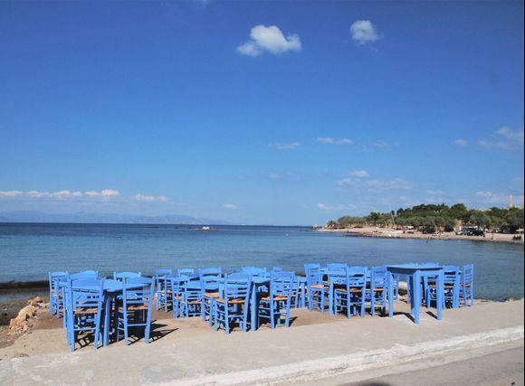 My kingdom for a tavernaki on the beach, a glass of ouzo, fried fresh fish and a bunch of friends laughing and yelling!