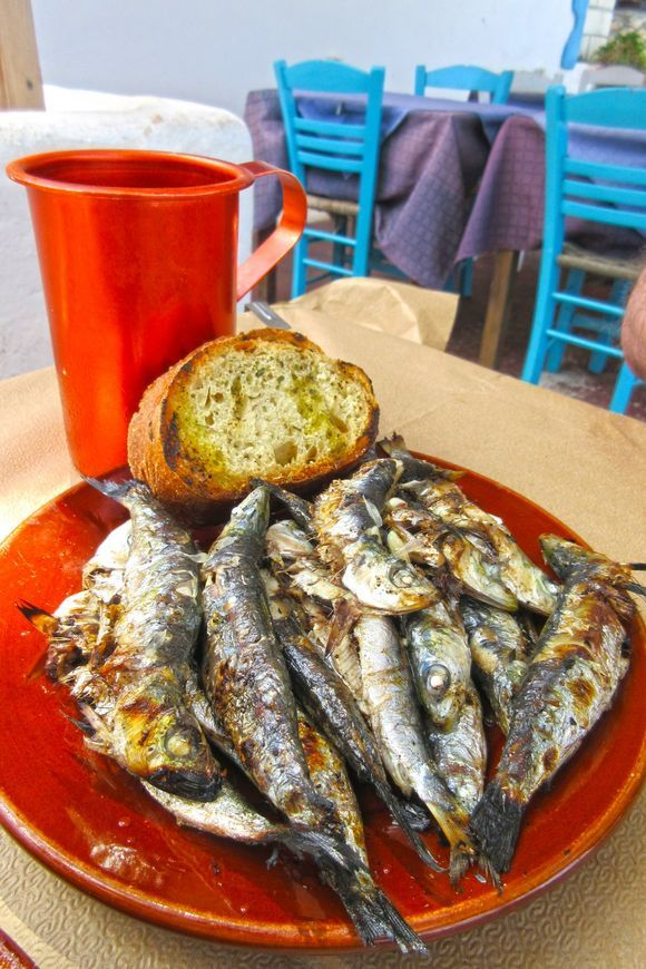 Grilled sardines at Taverna Skalakia