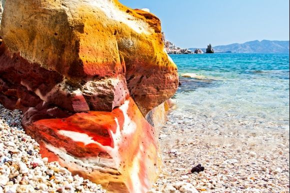 The incredible colours of the rocks in Kastanas