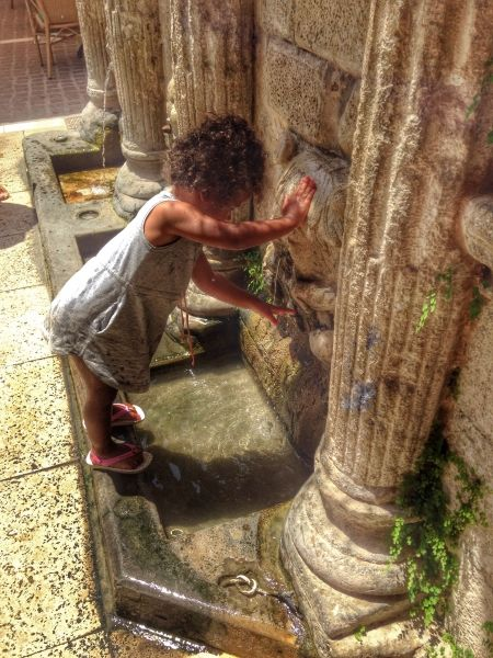 Just enjoying the cool water of the rimondi fountain in rethymnon, crete.