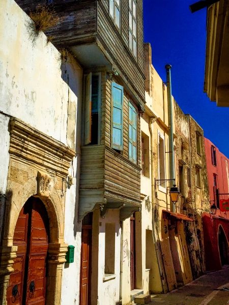 One of the lovely streets of the old town of Rethymnon on a cloudless day!