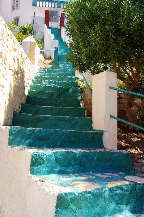 Long flight of green steps, Hydra town
