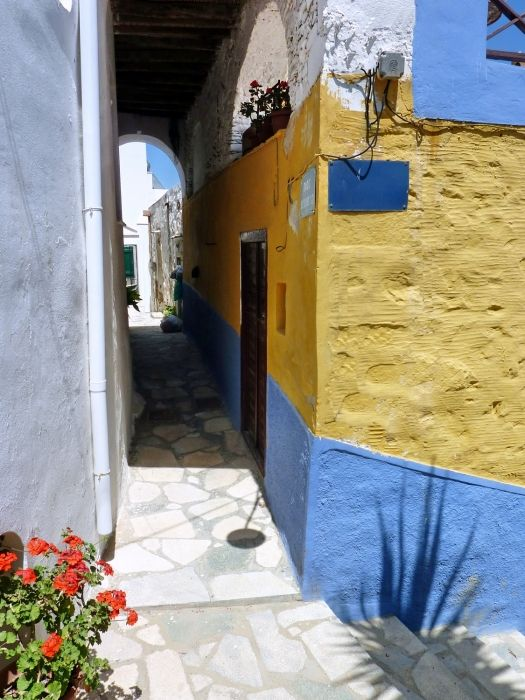 Covered alley, Ano Syros