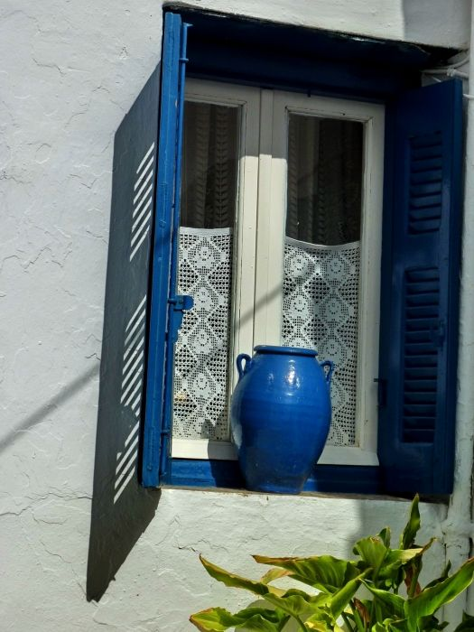 Facade with blue pot