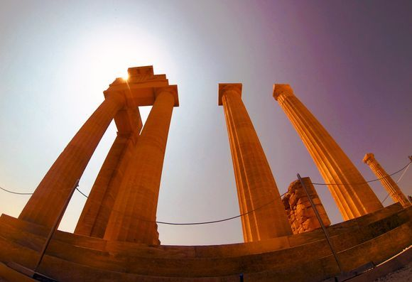 Between history and present in the Acropolis of Lindos...