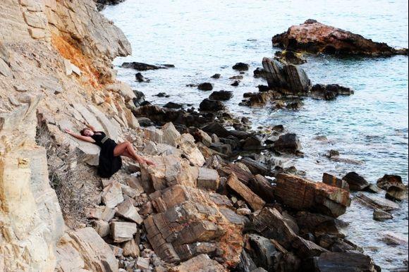 On the Rocks. Image by Mikki Lee, Carpe Diem Photography Crete