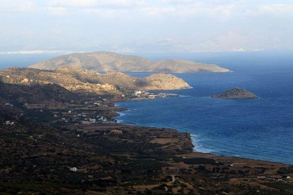 The coast near Mochlos