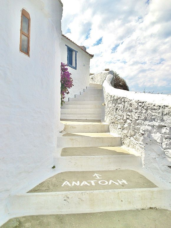 stairs and more stairs to climb the kastro of Skopelos.