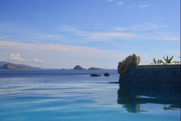 Folegandros. The pool in the hotel.