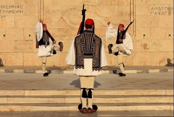 sentries Parliament-Atina