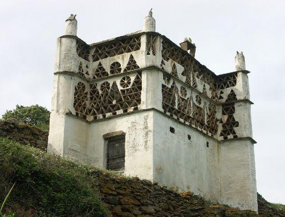 pigeon house at Taravados - 04/08