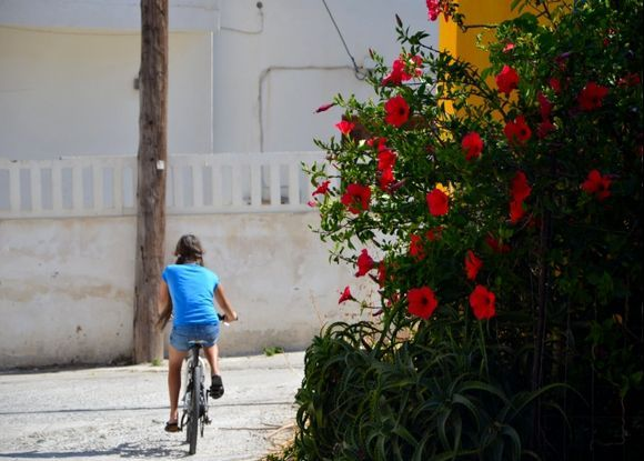 Litle cyclist in Paleochora