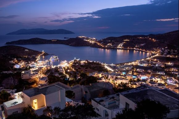 The port of Ios by night