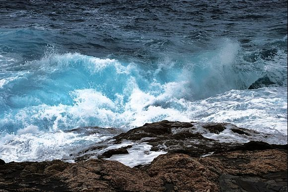 unreal colours of the sea in the rain