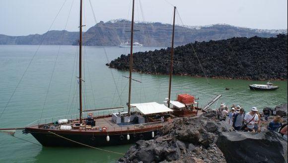 Santorini Volcaco port