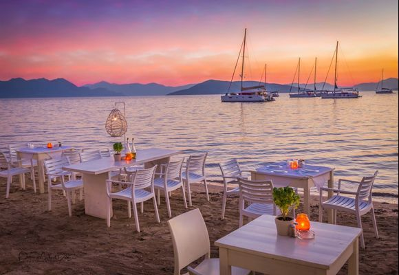 Nothing like supper (deípno) by the Aegean