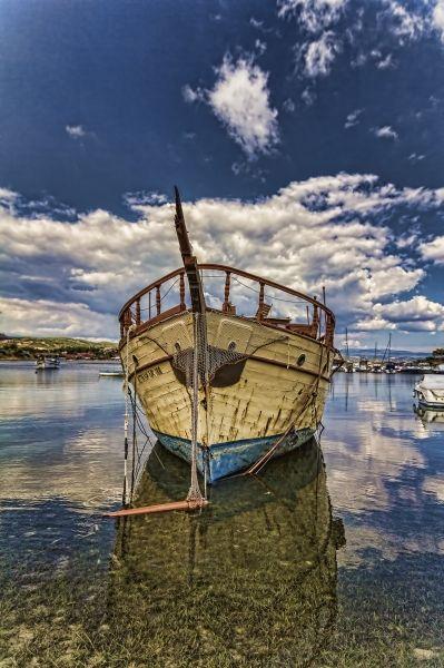 Head on - Broken Boat at Ormos Panagias, Sithonia, Halkidiki.