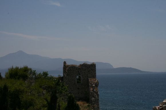 Logesis castle overlooking Turkey