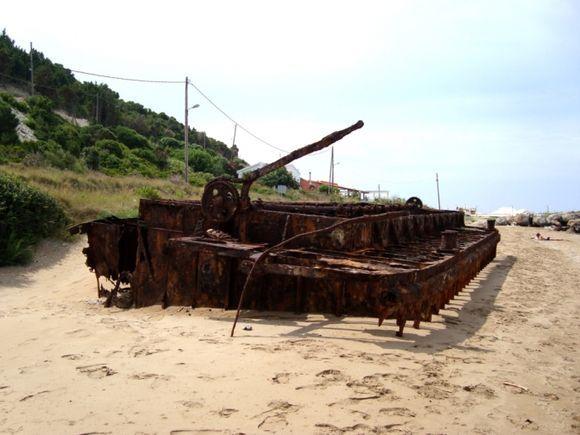 Abandoned wreck - Mathraki