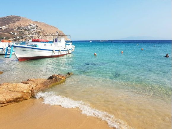 Mykonos august 2017, Elia is the last stop on the caique (traditional fishing boat used as taxi boat) so slightly quieter. Lots of nudists come here. It is a quiet beach unlike Paradise, Super Paradise and others. There is a nice view to the left up the hill, enjoy the traditional Cycladean houses.
