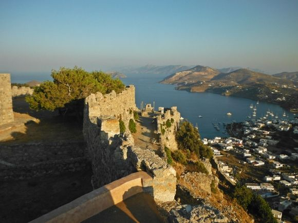 Leros island, the Castle of Pandeli is a strong Medieval fortress overlooking the capital of Leros. It is also known as the Castle of our Lady, which means the Castle of Virgin Mary. Over the years, this Byzantine fortress, that survives well till today, has become the trademark of the island. The Castle gives a great view to the above mountainous landscape, the sea and the villages of Leros island.