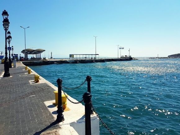 Rafina august 2017, it's a relaxing resort away from the noisy crowds of central Athens. Rafina is also an important port serving ferries to the neighboring island of Evia and some of the Cycladic islands like Mykonos, Paros, Naxos, Syros and Santorini.