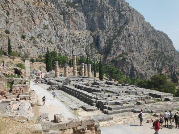 temple of apollo, delfi