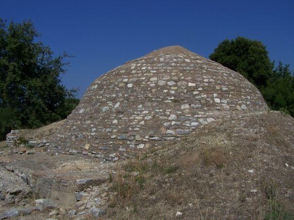 Tholos Tomb Peristeria